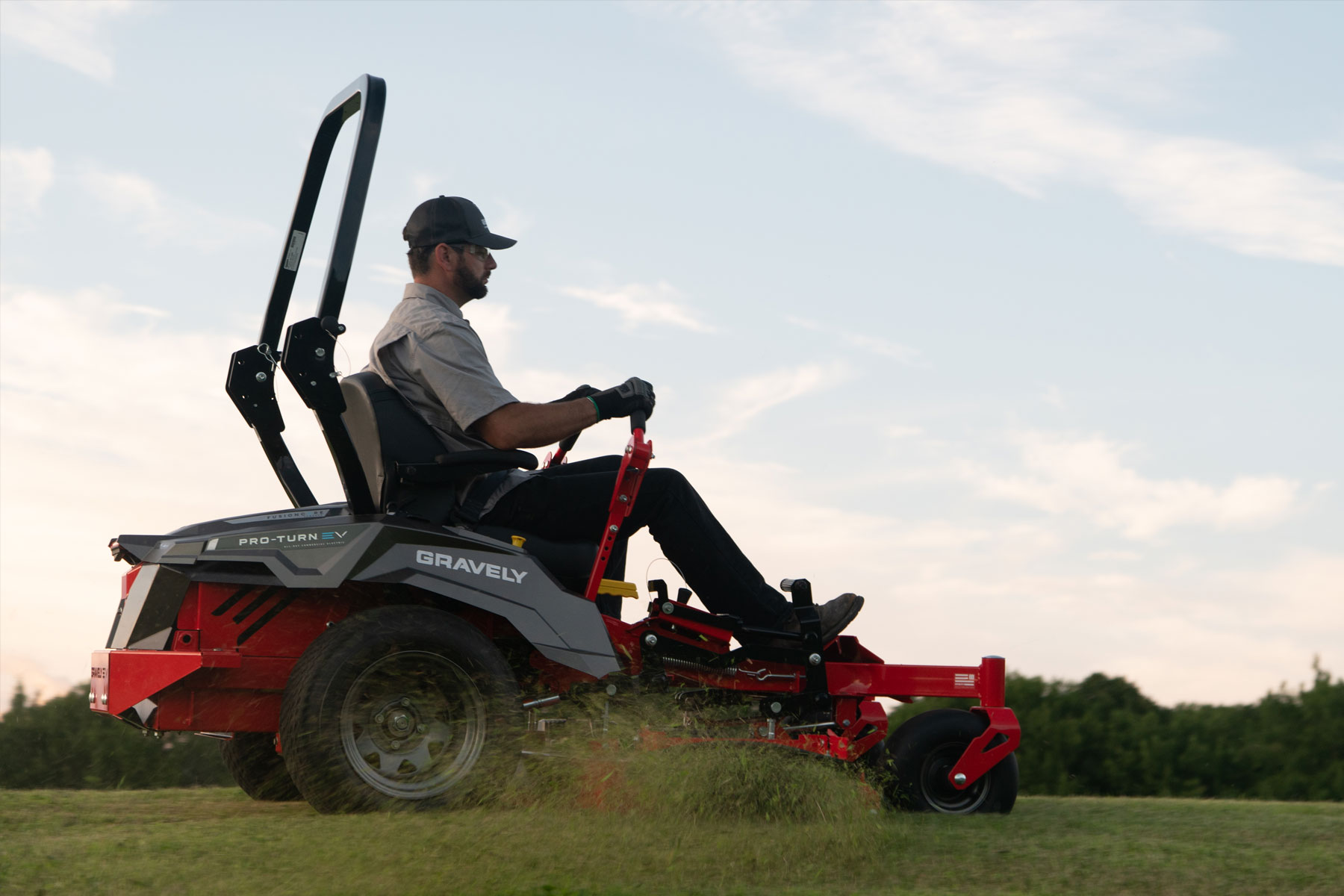 Pros and Cons of Electric Commercial Mowers